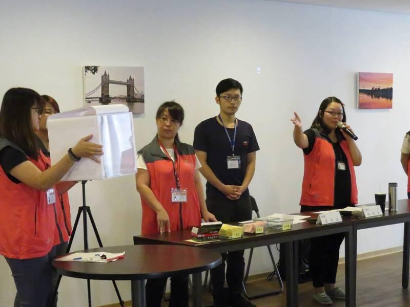 台中市勞工局每年的公部門大專暑期打工職缺年常熱門,幾乎都要抽籤(勞工局提供)