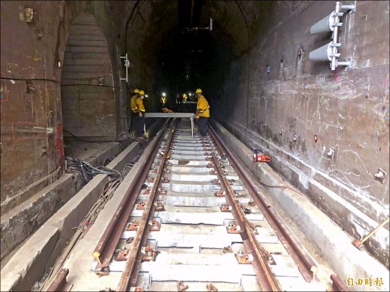 太魯閣號事故釀四十九死,台鐵已完成清水隧道受損補強及所有檢測。(記者王峻祺攝)