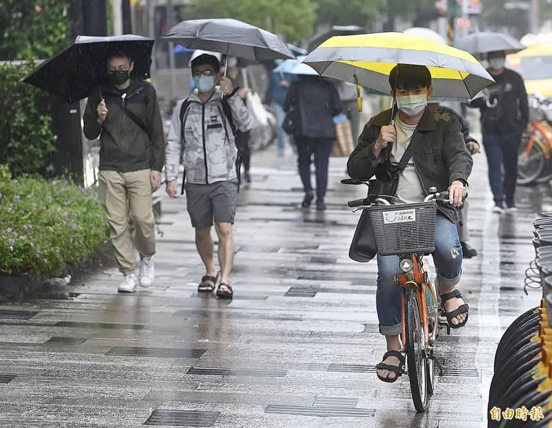 彭啟明指出,週五至週末的一波雨勢有可能是四月雨量最多的一次。圖為示意圖。(資料照)
