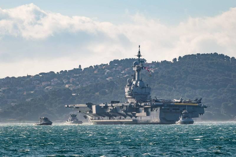 歐洲聯盟今天提出「印太地區合作戰略」,表明歐洲海軍存在的重要性,以因應地緣政治競爭加劇的區域緊張,同時也強調與區域國家經濟合作,例如與中國簽署全面投資協定。圖為法國航空母艦戴高樂號。(法新社資料照)