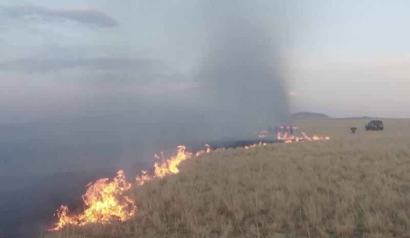 蒙古國18日發生草原大火,今天燒到中國。(圖擷取自網路)