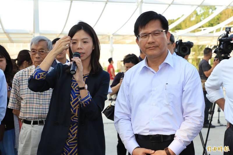 林佳龍(右)將於明天正式卸任交通部長,洪慈庸(左)今天發文肯定林佳龍。(資料照,記者張軒哲攝)