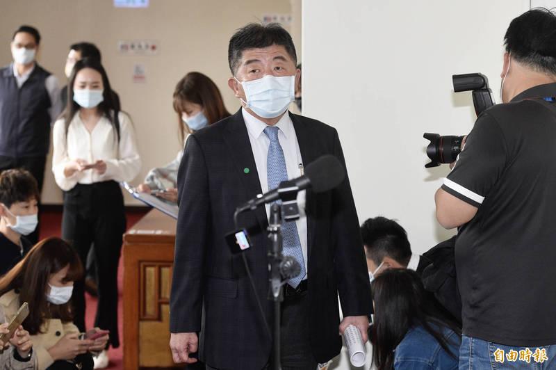 衛福部長陳時中今(19)日出席立法院社會福利及衛生環境委員會前接受媒體訪問。(記者叢昌瑾攝)