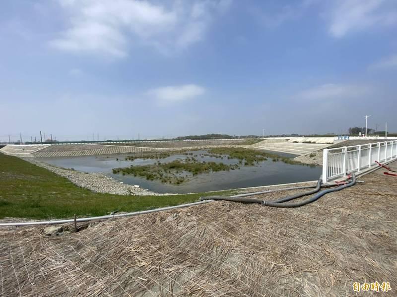 北港滯洪池也能當「平地水庫」,補充灌溉用水的不足。(記者詹士弘攝)