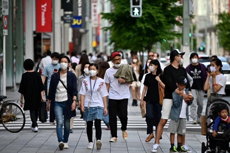 日本一名39歲男子平時靠打工維生,竟化身「時間管理大師」同時與35名女子交往,趁機索討禮物或推銷商品,如今被這些女友們識破提告。圖為日本東京街景。(法新社)