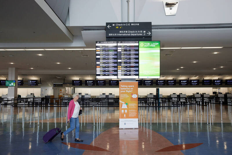 紐西蘭當局週二表示,奧克蘭機場1名工作人員,武漢肺炎(新型冠狀病毒病,COVID-19)檢測陽性。(彭博)