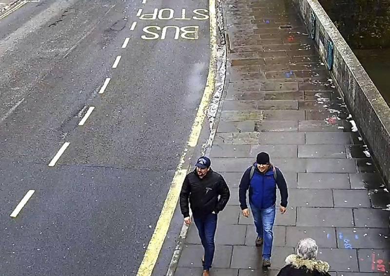 倫敦警察廳在2018年時拍下兩名俄國特務進行毒殺案前後的蹤跡。(美聯社)