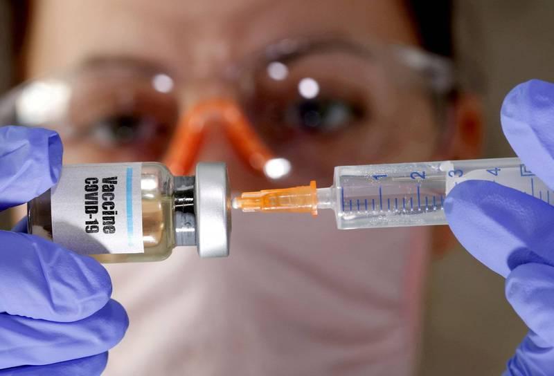 日本厚生勞動省彙整,截至15日有231人在接種疫苗後確診感染武漢肺炎,相當於已接種疫苗者約0.01%。圖為武漢肺炎疫苗示意圖。(路透資料照)