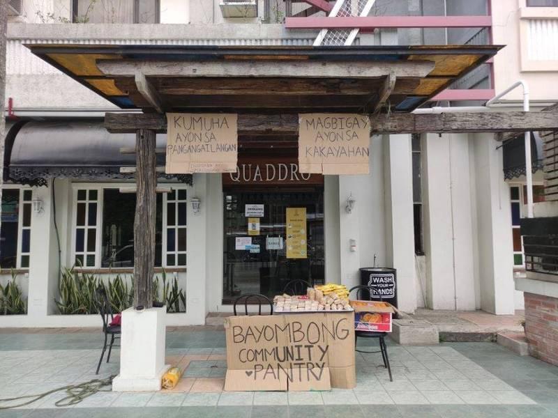 為協助民眾度過疫情難關,菲律賓近日成立「以物易物」小站。(翻攝自Reddit)