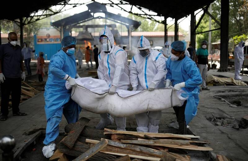 印度疫情惡化,單日確診和死亡人數雙雙再創新高。(路透)