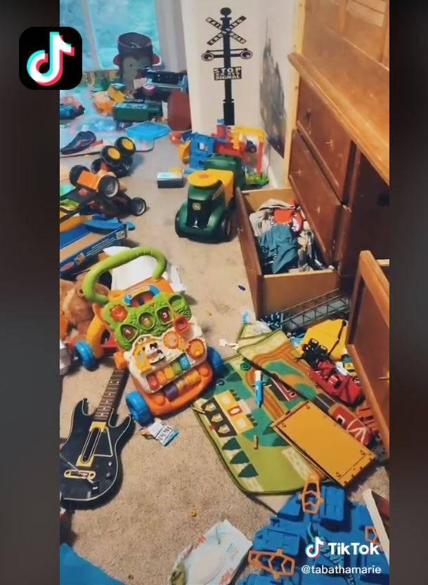 國外一位媽媽為教會兒子清理房間,竟把兒子所有東西丟掉。(翻攝自TikTok)