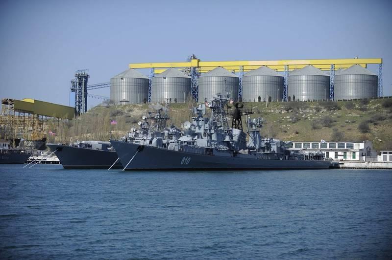 俄羅斯黑海艦隊週二在黑海舉行軍演。(美聯社)
