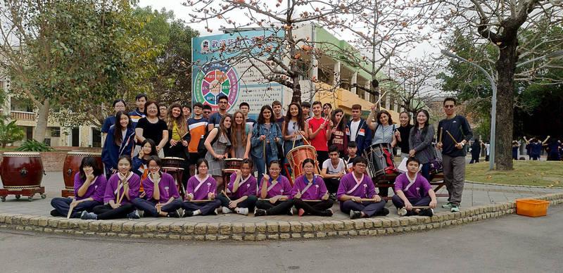 新竹縣立六家高中設校後經常舉辦國際交流活動。(圖由縣府提供)