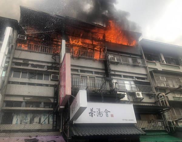 茶飲店因隔壁大火延燒而遭殃,因賠償金額談不攏而對簿公堂。(資料照。記者顏宏駿翻攝)