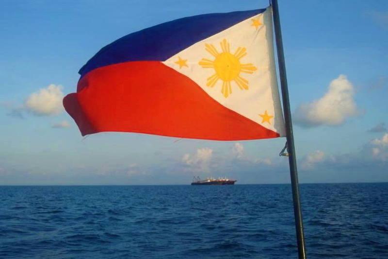 菲律賓武裝部隊總司令索貝哈那今天說,為宣示主權,菲國軍方正考慮參照北京作法,在西菲律賓海島礁上興建設施。(路透)