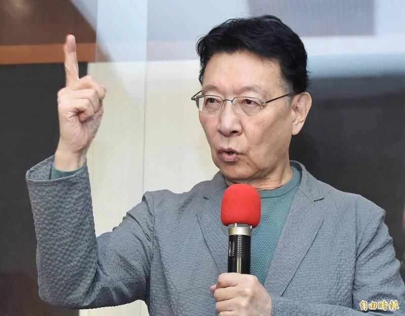 趙少康今受訪時對韓國瑜喊話,不必等他宣布不選主席,韓要選不選自己可以決定。(資料照)