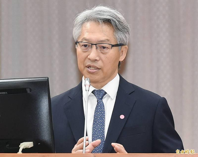 中研院長廖俊智表示今年各國陸續開打疫苗,但因進度不一,因此年底可能全球可局部開放旅遊。(記者廖振輝攝)