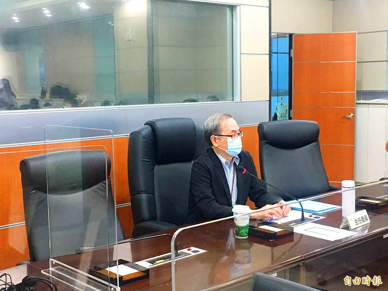 Atomic Energy Council Minister Hsieh Shou-shing speaks in Taipei about the council's plans to monitor Japan's release of treated wastewater from the Fukushima Dai-ichi nuclear power plant. Photo: Yang Mian-chieh, Taipei Times
