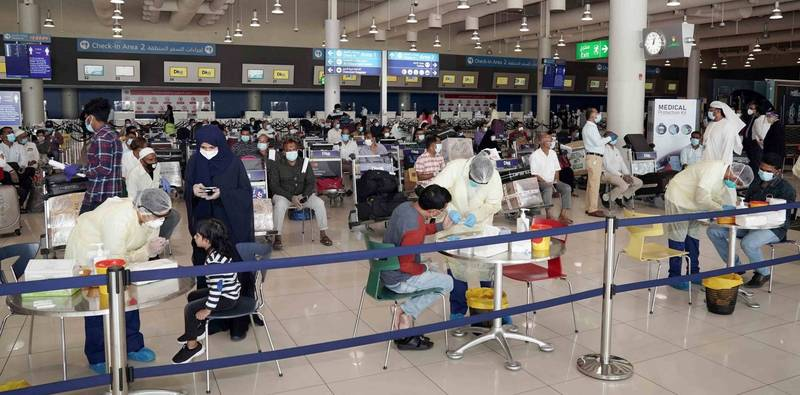 有300名乘客昨天搭機抵達阿薩姆省西爾查(Silchar)機場後,未遵守阿薩姆省強制旅客接受即時檢測規定,逃走未受檢。(圖為機場採檢示意圖,與新聞無關)