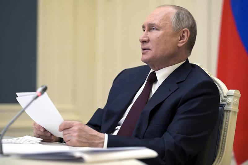 俄羅斯總統普廷指出,將簽署5月全國放假10天的法案,試圖減緩確診病例的增加速度。(美聯社)