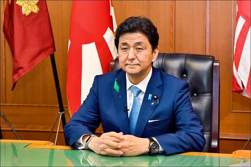 日本防衛相岸信夫在自民黨議員集會發表演說,再次談及台灣情勢,他表示,中國正從不起眼的地方步步進逼,一旦台灣赤化了,情勢恐將變得更為嚴重。(取自「防衛省」臉書)