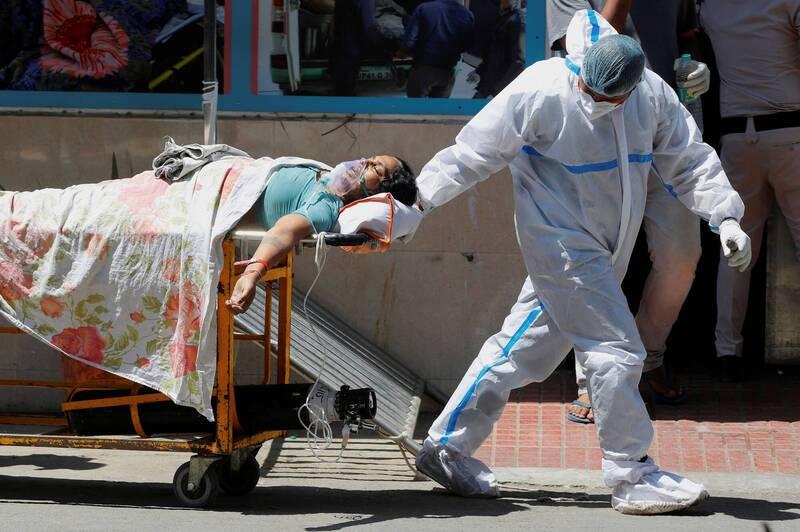 印度第2波武漢肺炎疫情持續延燒,專家根據數據指出,這波疫情尚未達到最高峰。(路透)