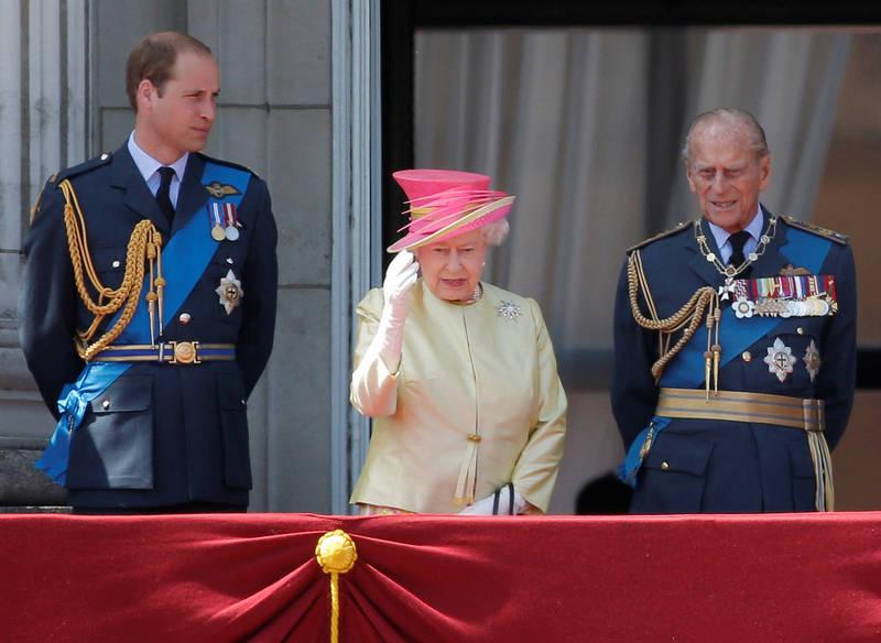 英國威廉王子、伊莉莎白女王及菲利浦親王(圖左至右)。(路透)