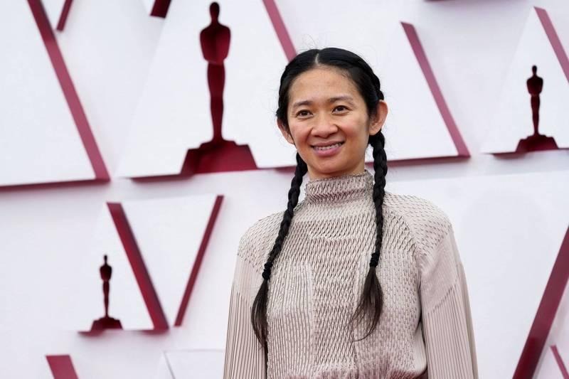 中國出生的華裔導演趙婷以《游牧人生》奪下第93屆奧斯卡最佳導演,讓曾經封殺她的強國網友風向一轉,紛紛懊悔反省。(路透)