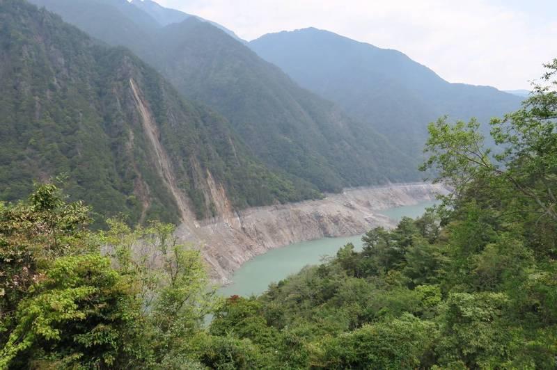 德基水庫今日水位比25日上升了0.44公尺。(民眾提供)