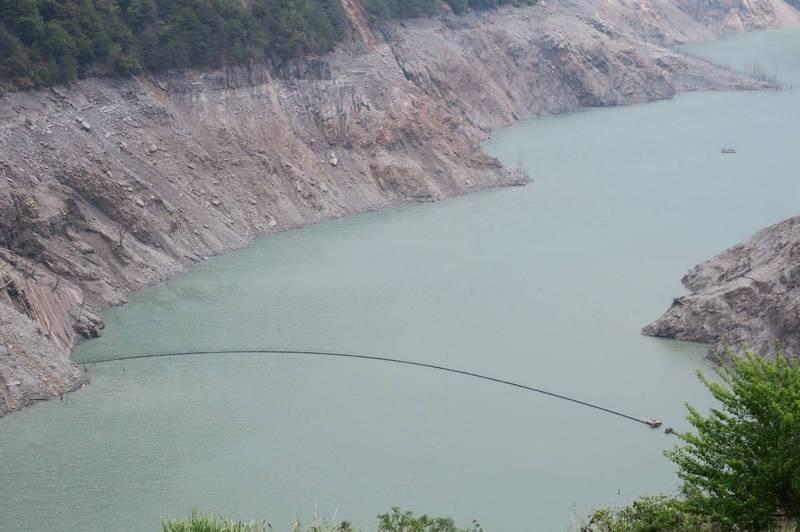 德基水庫水位持續下探。(民眾提供)