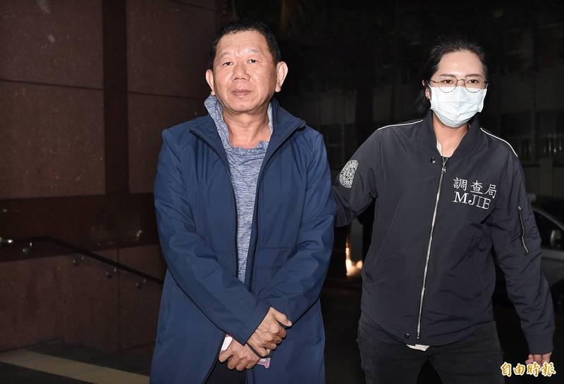 康友董事長陳民郎(左)交保,檢方抗告被高院駁回。(記者廖振輝攝)