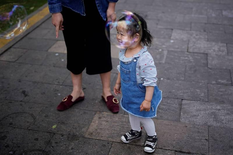 3歲女童被阿嬤獨自留於車上5小時,因為中暑逝世。圖與新聞事件無關,女童示意圖。(路透)