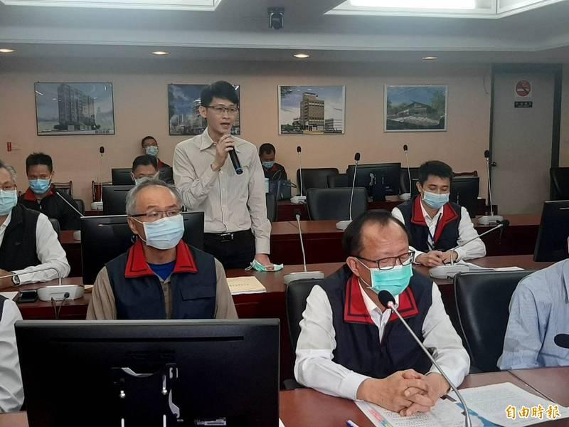 許書桓昨日起身聲稱,他不想害人、不想製造長官困擾,接著當眾對警察局、社會大眾說抱歉,還說對不起全國人民。(資料照)