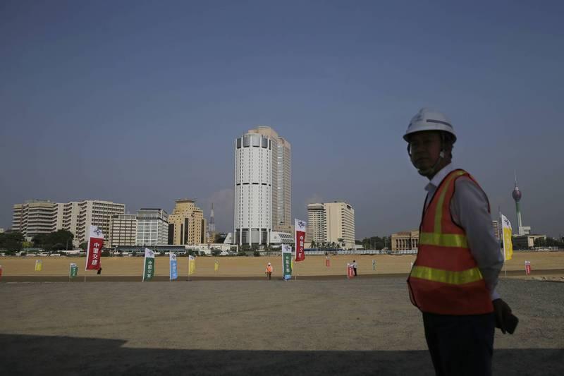 圖為中國與斯里蘭卡透過「一帶一路」合作推動的「可倫坡海港城計畫」。(美聯社檔案照)