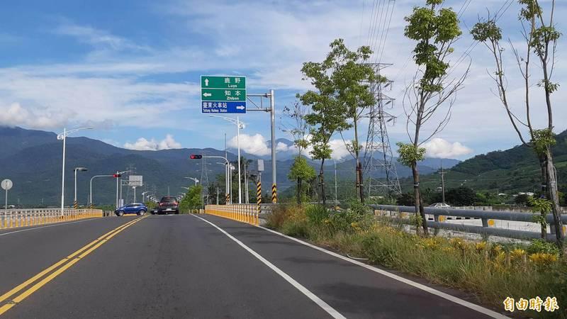 台東市太平溪左岸路堤共構道路將命名為「新生北路」。(記者黃明堂攝)