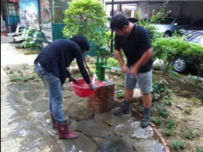 南市南區金華社區設有地下水汲水器供抗旱時里民取水使用。(圖:金華社區提供)