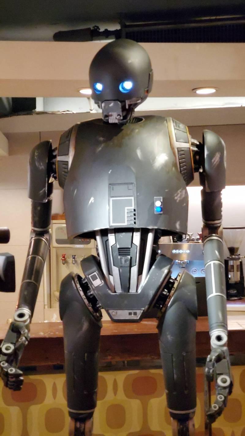 5月4日是世界星戰日,台灣的星戰迷打造了 2.2公尺K-2SO機器人,將登上101大樓亮相。(讀者Arthur提供)