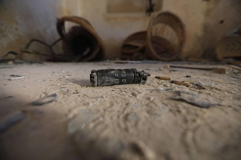 英國45歲男子奧斯本(James Osborne),他在自家後院發現2大箱物件,第一眼乍看之下還以為是牛奶罐,但沒想到上前查看後才發現居然是從2次世界大戰後留下來的48枚手榴彈。手榴彈示意圖。(歐新社)