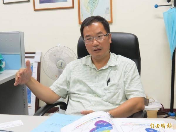 中興大學環境工程系教授莊秉潔呼籲,希望民眾支持行政院的「外推+FS(R)U案」,既可兼顧非核、減煤,又能夠救藻礁。(資料照)