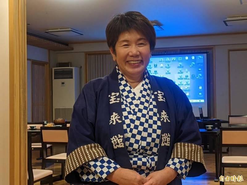 在311時經歷生死瞬間的寶來館老闆娘岩崎昭子。(記者林翠儀攝)