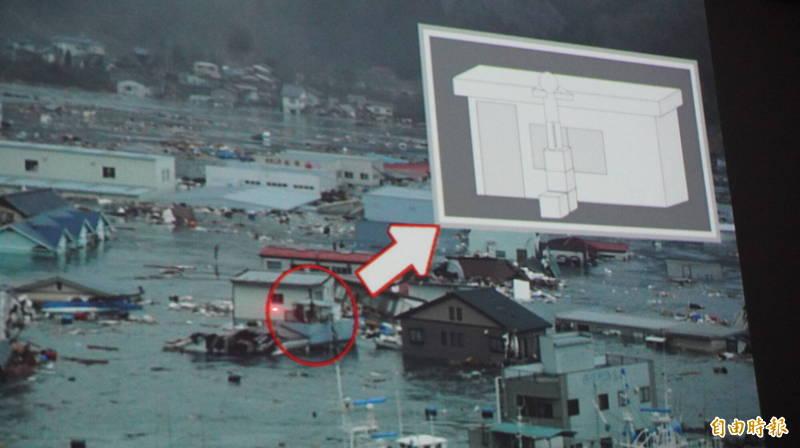 菅原文子在海嘯來襲時爬上店鋪2樓頂倖免於難,經歷了生死的瞬間。(記者林翠儀攝)