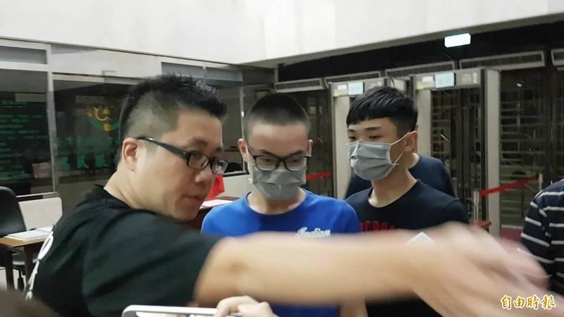 寶和會槍手陶彥誠(中)坐牢期間,台北監獄竟然核准竹聯幫大哥與幫眾與陶彥誠多達16次。(資料照)