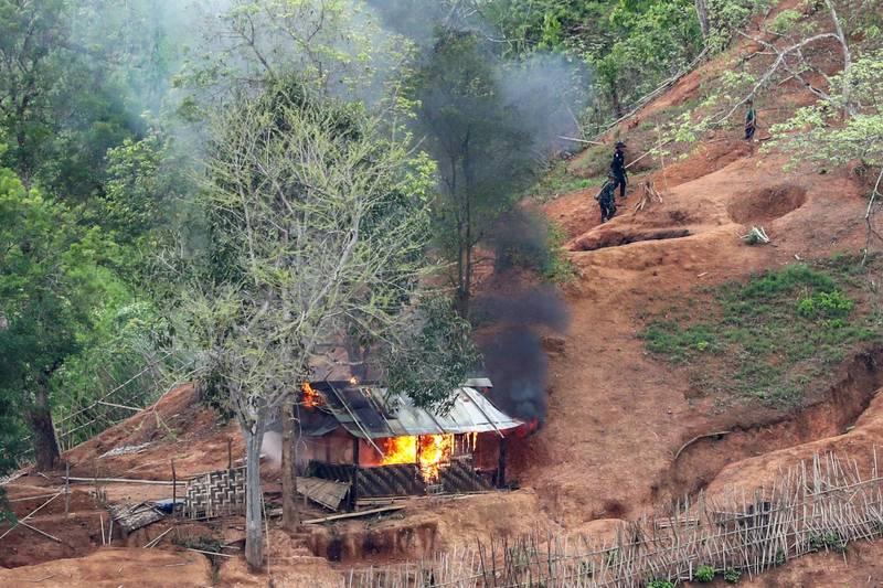 緬甸中部村莊發生炸彈包裹爆炸案,一名全民盟前議員被當場炸死。圖為示意圖。(路透)