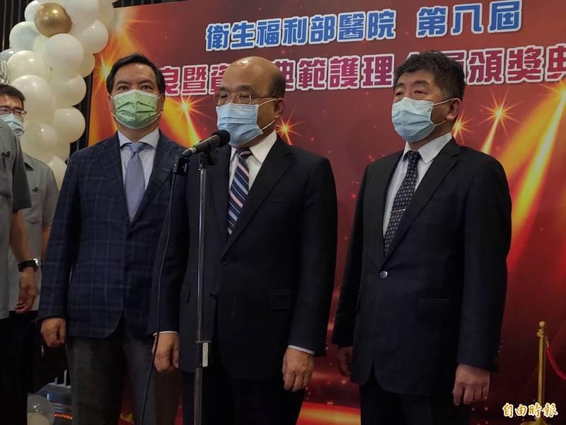 行政院長蘇貞昌表示,有人明知政府訂了SOP、單位場所要實名制卻不配合,「老實說,一個陳時中再神仙也沒用」。(記者吳亮儀攝)