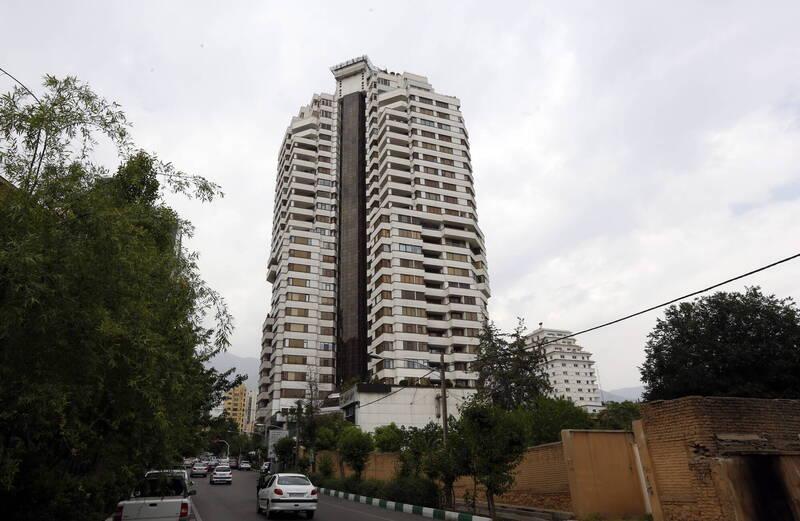 伊朗媒體稱,這名女外交官住在德黑蘭北部富人區卡姆朗尼赫一棟大樓(見圖)的18樓,一名園丁在週二發現她的遺體。(歐新社)