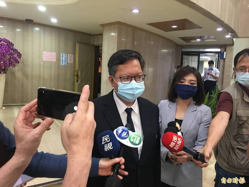 桃園市長鄭文燦受訪時表示,已向衛生福利部長陳時中表達,諾富特飯店防疫應該用更高標準。(記者謝武雄攝)