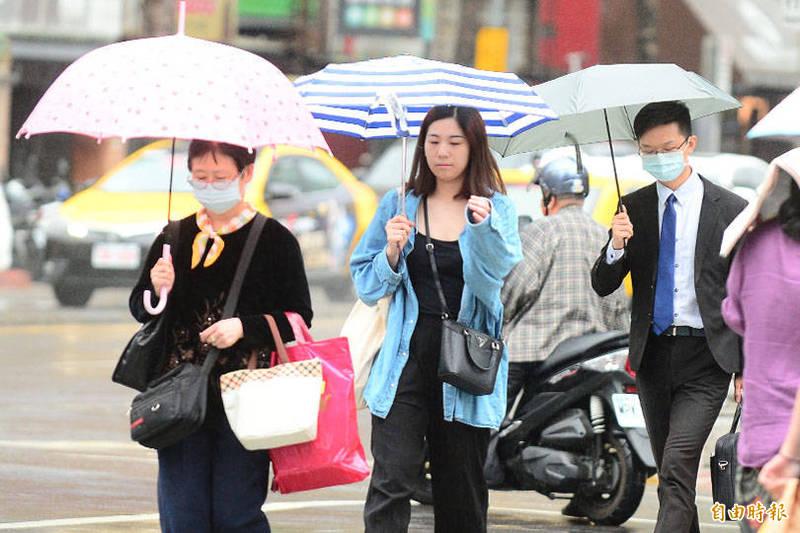 對流發展旺盛,氣象局在今(5日)下午3點40分針對嘉義、高雄山區以及台東地區發布大雨特報。示意圖。(資料照)