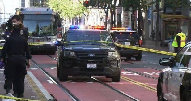 舊金山當地時間週2發生2名亞裔老婦遭隨機刺殺事件。(圖翻攝自推特)