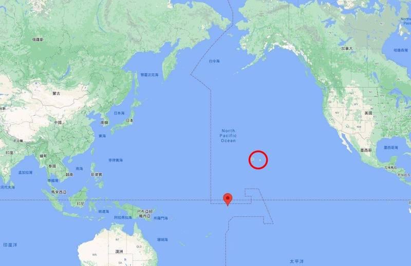 路透指出,中國計畫在坎頓島修復升級簡易機場設施及橋梁,該島位於夏威夷美軍基地西南方3千公里處。紅圈處為夏威夷,指標處為坎頓島。(圖擷取自Google地圖)