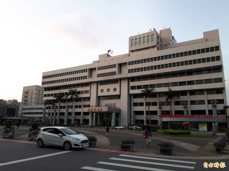 桃園市政府2名員工曾到諾富特飯店住宿,必須居家隔離。(記者謝武雄攝)